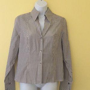 AK Anne Klein Size 6 Striped Button Up Shirt